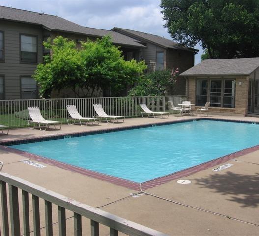 Bent Tree Oaks Apartment Pool