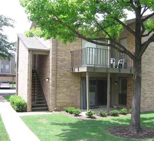 Bent Tree Oaks Apartment View 2